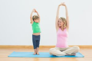 stretch-kidandmom